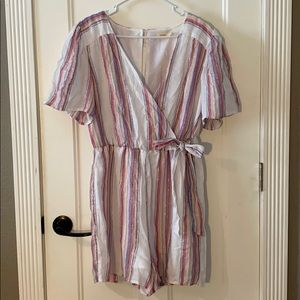 Short Sleeve Romper - SIZE L
